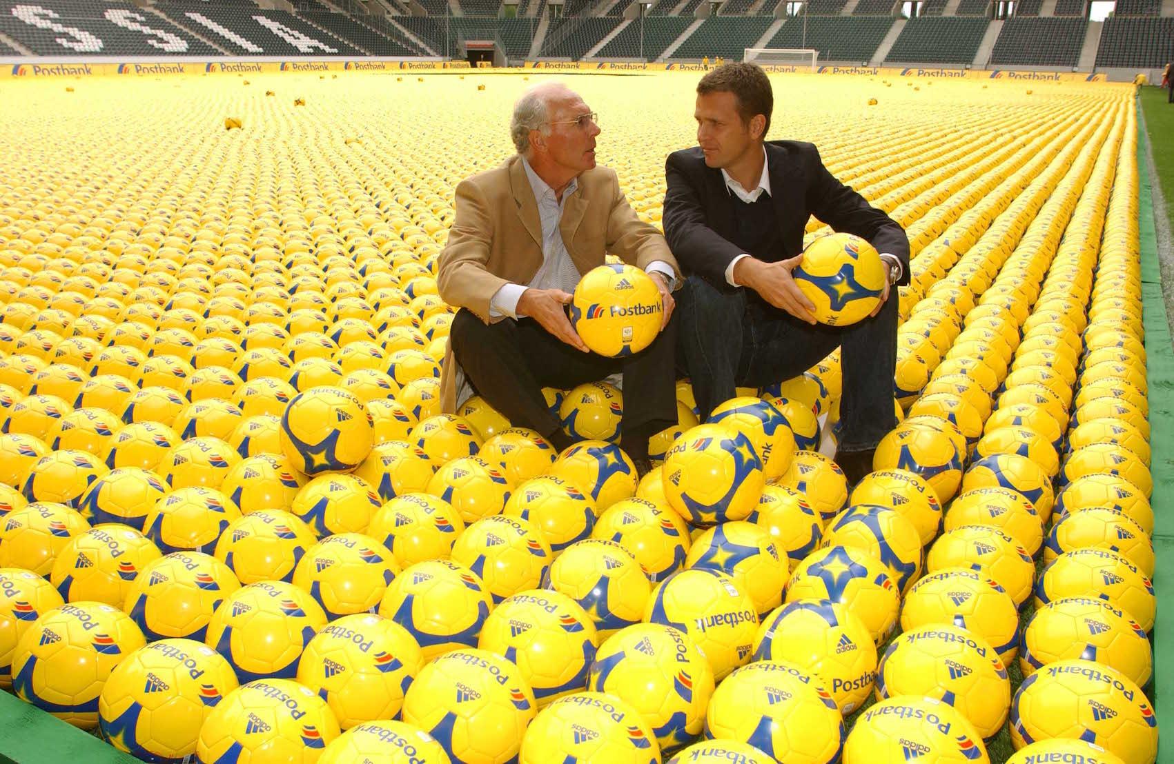 Adrian-Fogel-und-Franz-Beckenbauer-Postbank