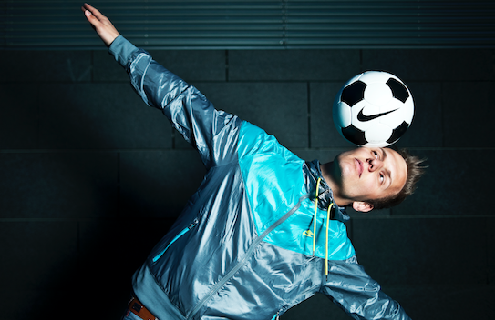 About Adrian Fogel und Fussball Freestyler
